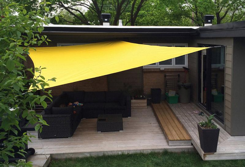 auvent codesign profitez pleinement de votre cour avec des voiles d 39 ombrage donnez du. Black Bedroom Furniture Sets. Home Design Ideas